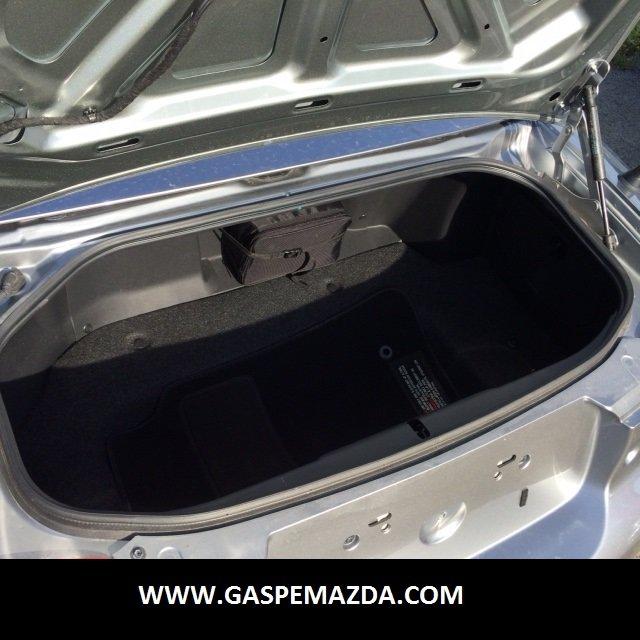 Mazda MX-5 Miata GS