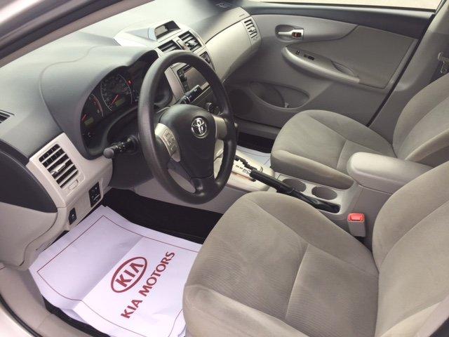 Toyota Corolla LE a/c toît