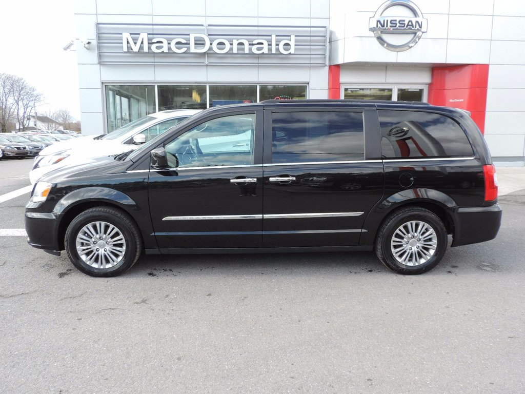 used 2016 chrysler town country touring in used inventory macdonald auto group in nova. Black Bedroom Furniture Sets. Home Design Ideas