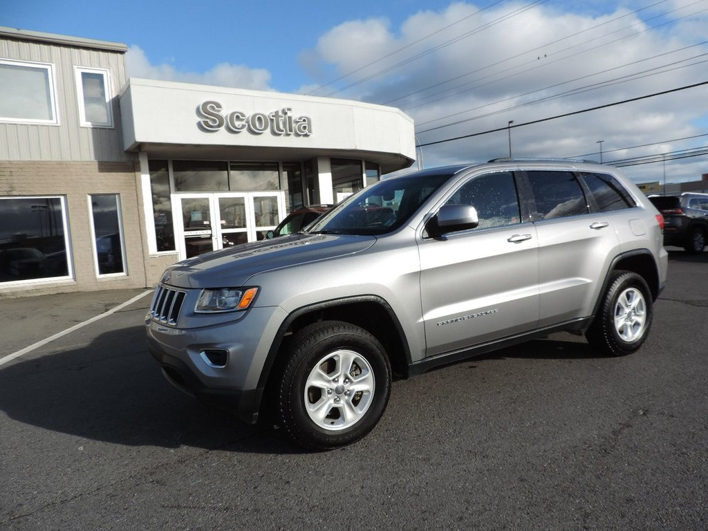 used 2015 jeep grand cherokee laredo in sydney used inventory macdonald nissan in sydney. Black Bedroom Furniture Sets. Home Design Ideas