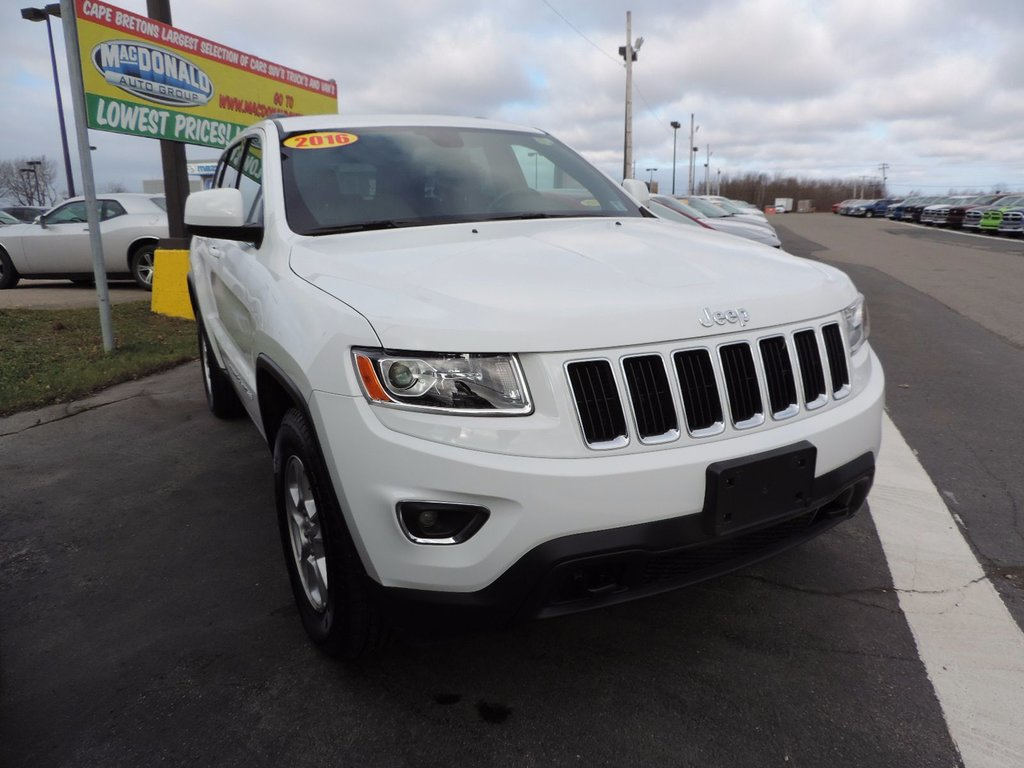 used 2016 jeep grand cherokee laredo in used inventory macdonald auto group in nova scotia. Black Bedroom Furniture Sets. Home Design Ideas