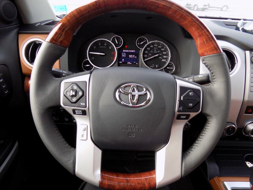 Toyota 4X4 TUNDRA CREWMAX PLAT 5.7L 1794 EDITION