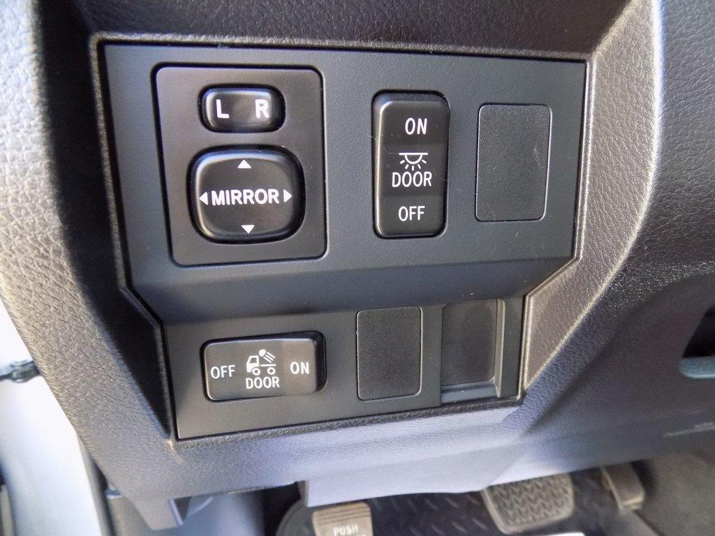 Toyota Tundra SR5