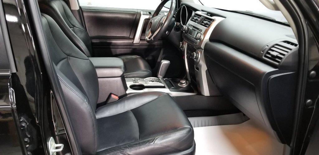 Toyota 4Runner SR5 LIMITED