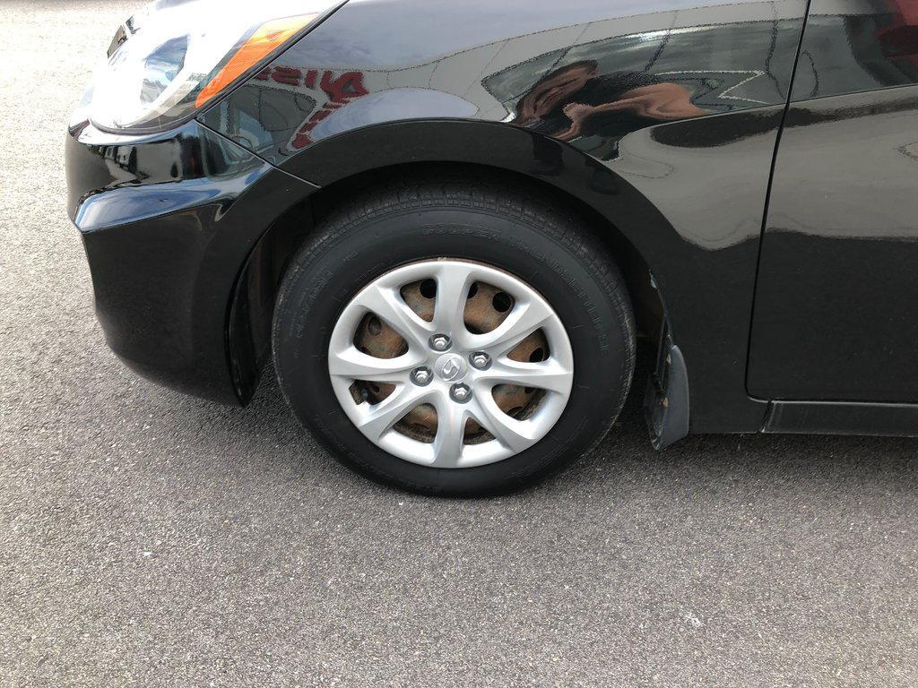 Hyundai Accent GL Hatchback