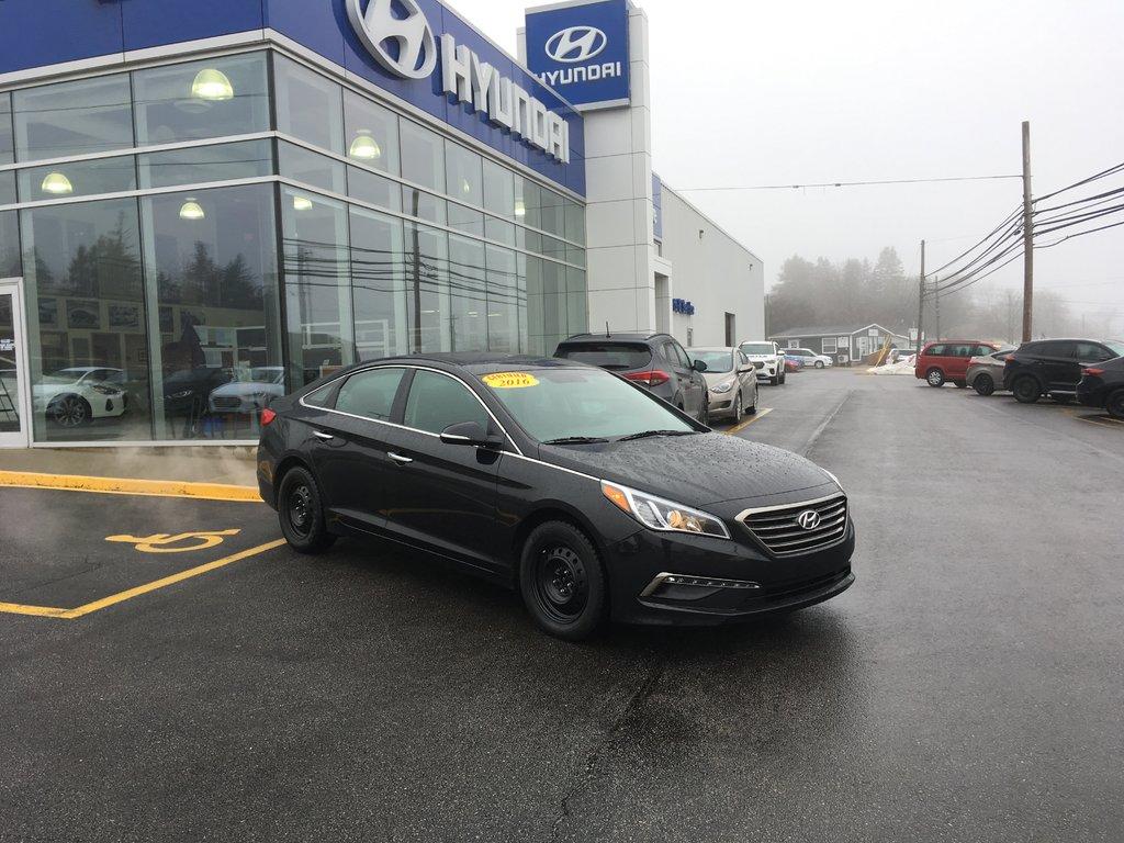Hyundai Sonata: Power brakes