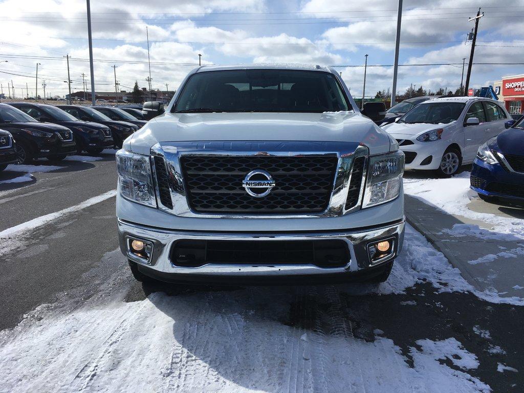 Nissan Titan SV