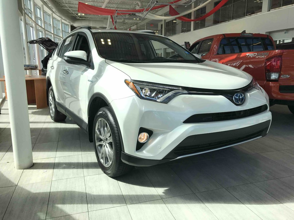 2016 toyota rav4 hybrid limited d 39 occasion gatineau. Black Bedroom Furniture Sets. Home Design Ideas