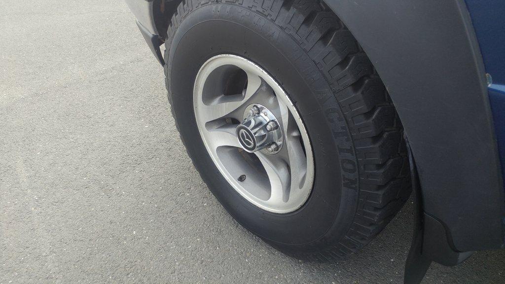 Mazda B-Series Pickup SE