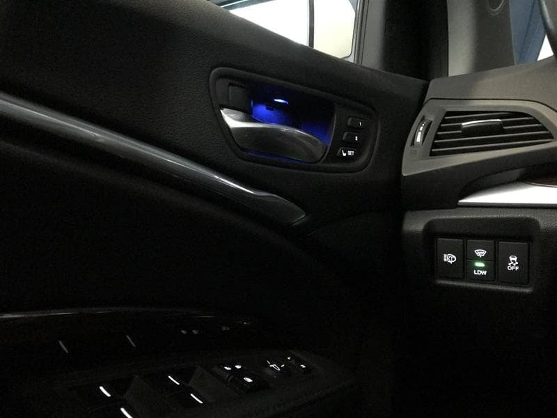2015 Acura MDX Navigation at in Markham, Ontario - 21 - w1024h768px