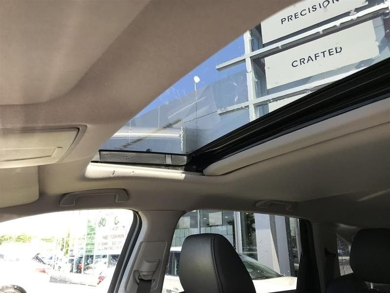2015 Acura MDX Navigation at in Markham, Ontario - 11 - w1024h768px