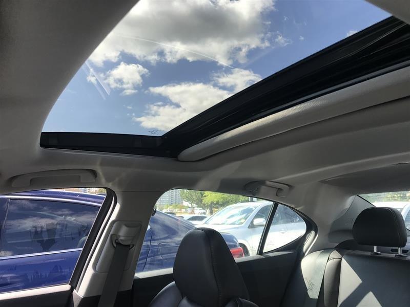 2015 Acura TLX 2.4L P-AWS w/Tech Pkg in Markham, Ontario - 12 - w1024h768px