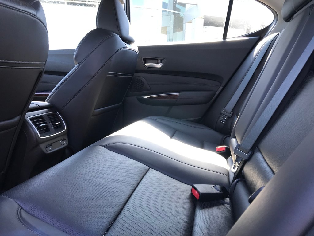 2017 Acura TLX 3.5L SH-AWD w/Tech Pkg in Markham, Ontario - 12 - w1024h768px