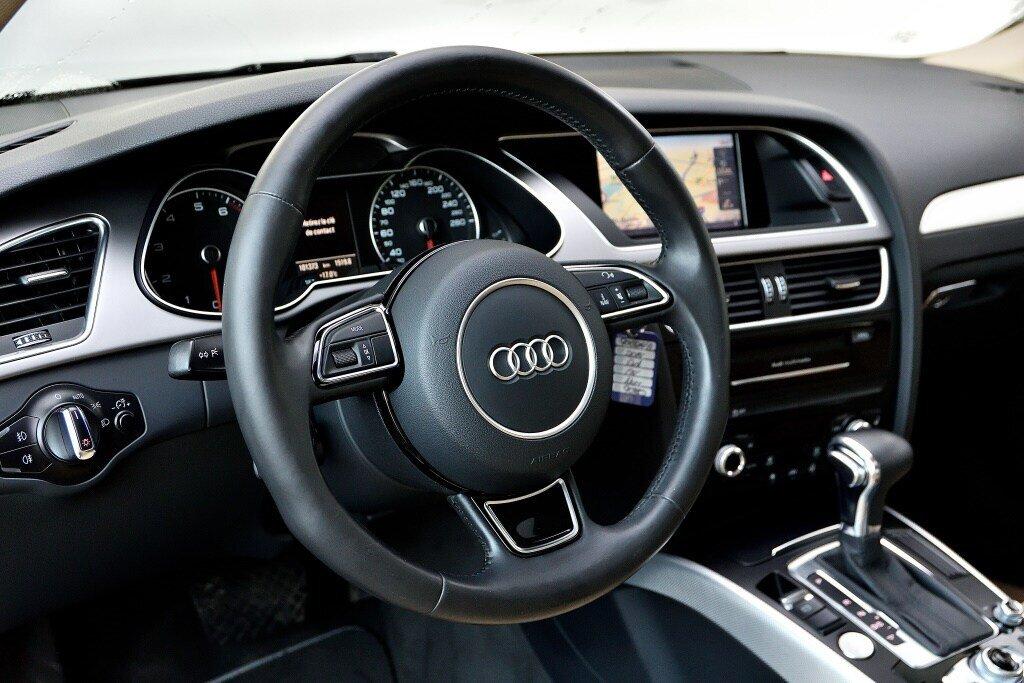 Audi A4 PROGRESSIV + CAMERA RECUL + GPS 2014 à St-Bruno, Québec - 11 - w1024h768px