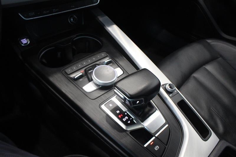 2016 Audi A4 2.0T Komfort plus quattro 6sp in Regina, Saskatchewan - 4 - w1024h768px