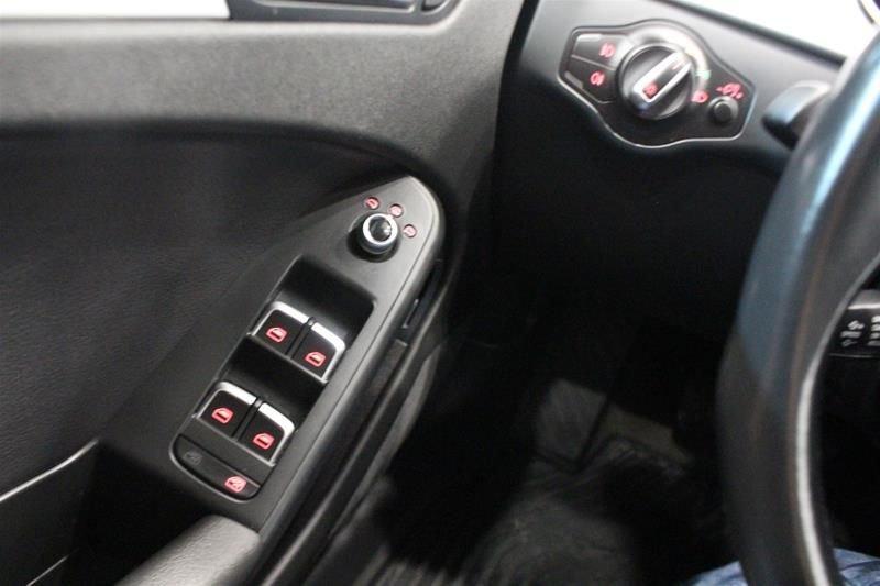 2016 Audi A4 2.0T Komfort plus quattro 6sp in Regina, Saskatchewan - 36 - w1024h768px