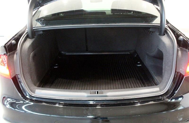 2016 Audi A4 2.0T Komfort plus quattro 6sp in Regina, Saskatchewan - 42 - w1024h768px