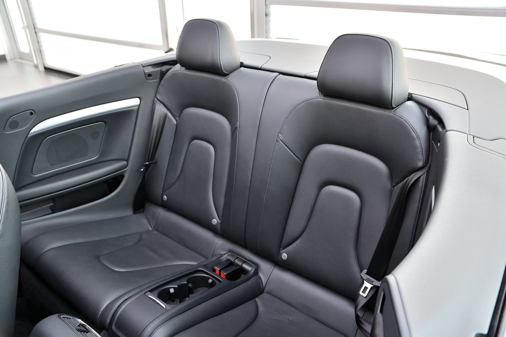 Audi A5 PREMIUM + CABRIOLET + BAS KILO 2012 à St-Bruno, Québec - 14 - w1024h768px