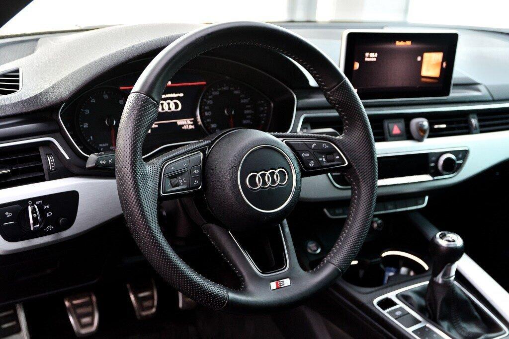 Audi A5 PROGRESSIV + LE MOINS CHÈRE + S-LINE 2018 à St-Bruno, Québec - 12 - w1024h768px