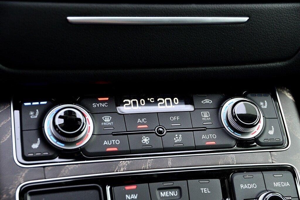 Audi A8 3.0T + DRIVER ASSIST + LUXURY 2017 à St-Bruno, Québec - 27 - w1024h768px