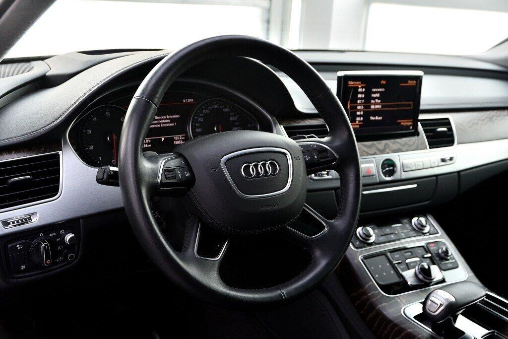 Audi A8 3.0T + DRIVER ASSIST + LUXURY 2017 à St-Bruno, Québec - 11 - w1024h768px