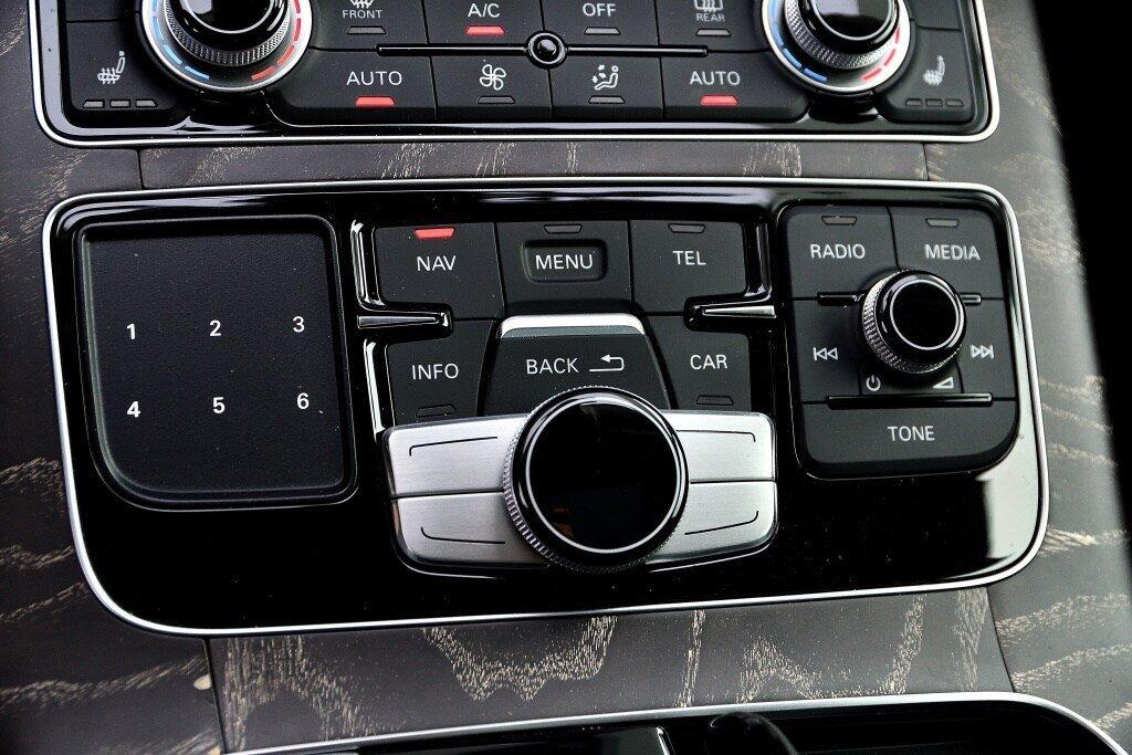 Audi A8 3.0T + DRIVER ASSIST + LUXURY 2017 à St-Bruno, Québec - 28 - w1024h768px