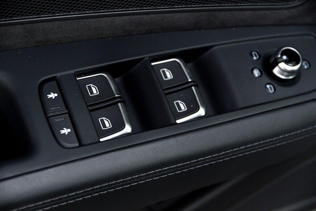 Audi A8 3.0T + DRIVER ASSIST + LUXURY 2017 à St-Bruno, Québec - 14 - w1024h768px
