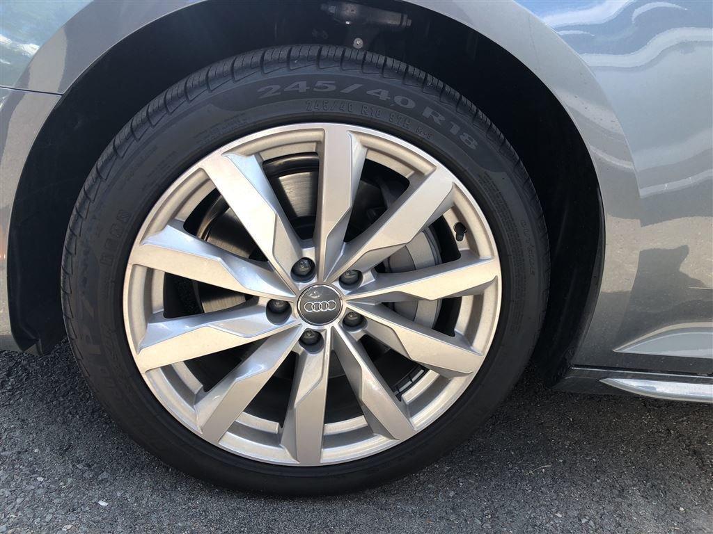Audi A4 Sedan Komfort 2018 à St-Bruno, Québec - 3 - w1024h768px