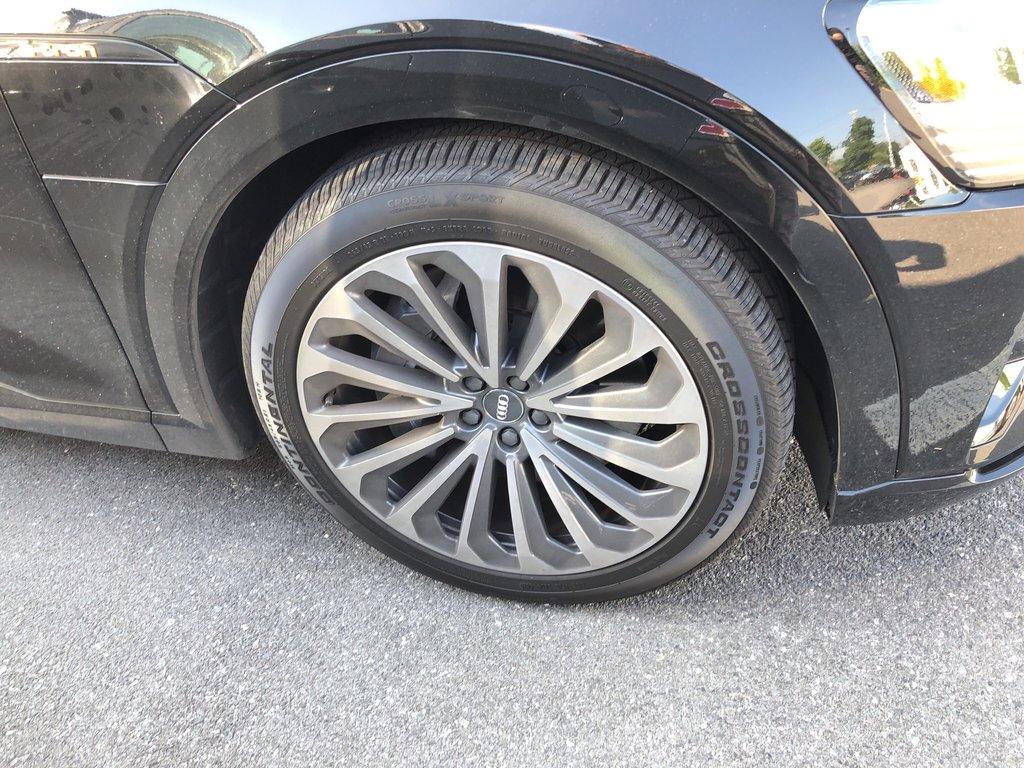 Audi E-TRON Progressiv 2019 à St-Bruno, Québec - 4 - w1024h768px