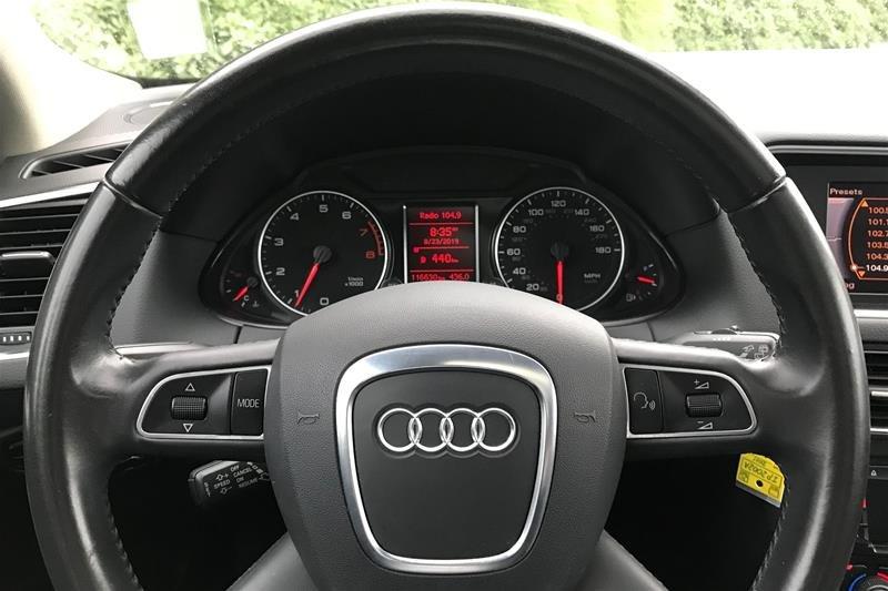 2011 Audi Q5 2.0T Prem Plus Tip qtro in North Vancouver, British Columbia - 3 - w1024h768px