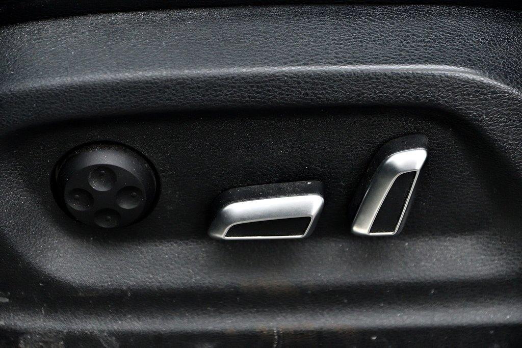Audi Q5 KOMFORT + PARKTRONIC + 0.9% 2015 à St-Bruno, Québec - 14 - w1024h768px
