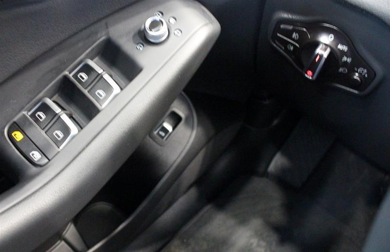 2017 Audi Q5 2.0T Progressiv quattro 8sp Tiptronic in Regina, Saskatchewan - 3 - w1024h768px
