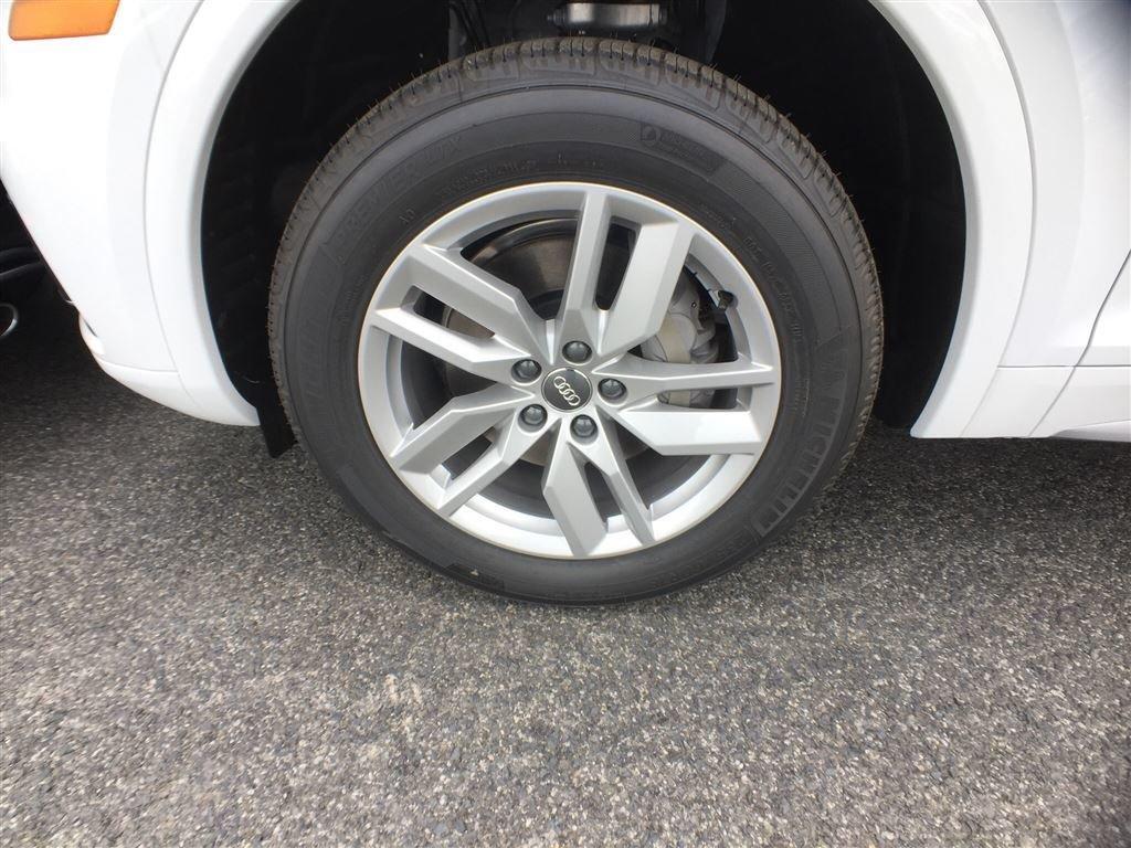 Audi Q5 Komfort 2018 à St-Bruno, Québec - 2 - w1024h768px
