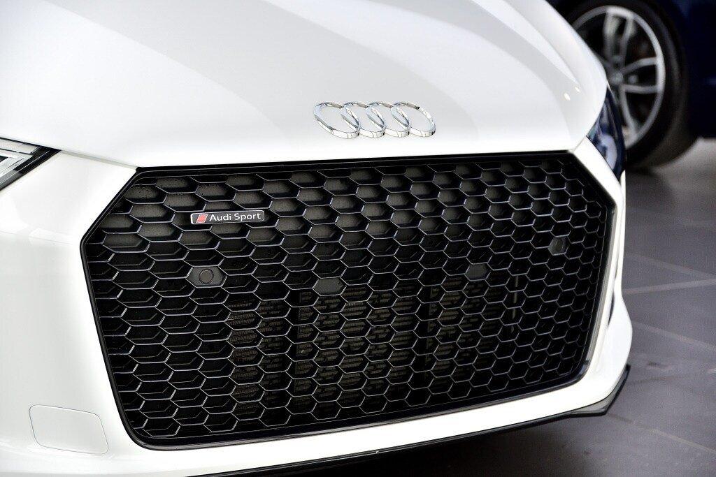 Audi R8 V10 RWS + PROPULSION + RARE 2018 à St-Bruno, Québec - 3 - w1024h768px