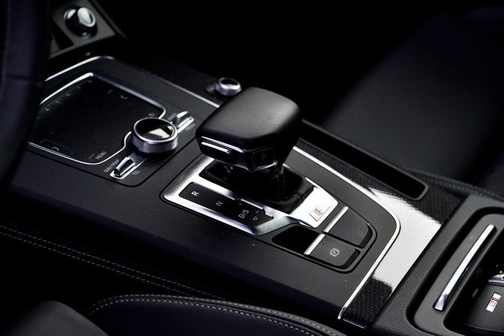 Audi SQ5 PROGRESSIV + LA PLACE POUR UN SQ5 2018 à St-Bruno, Québec - 13 - w1024h768px
