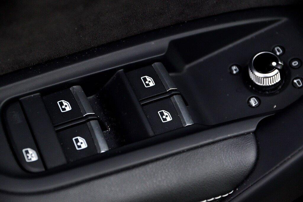 Audi SQ5 PROGRESSIV + LA PLACE POUR UN SQ5 2018 à St-Bruno, Québec - 14 - w1024h768px