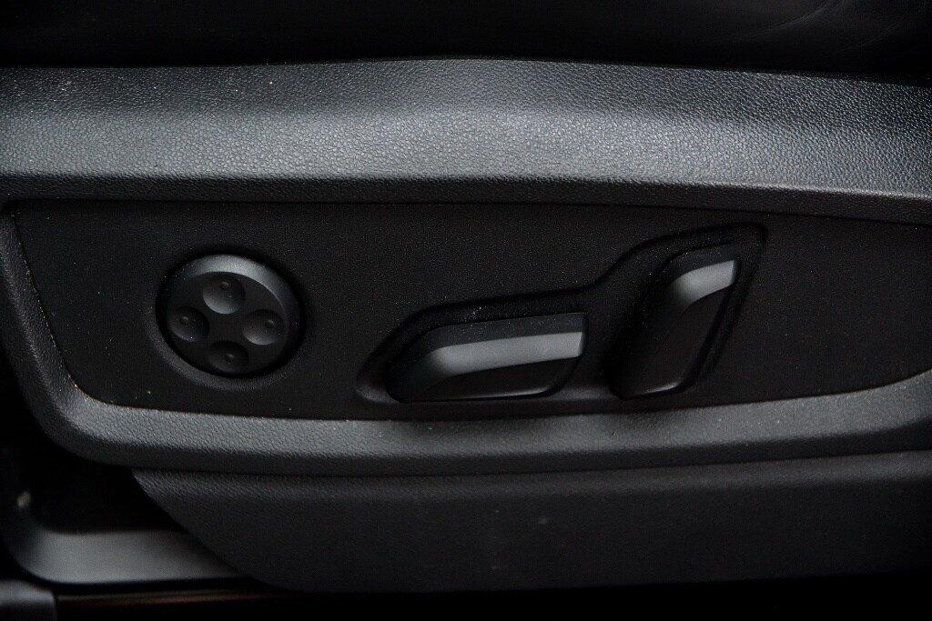 Audi SQ5 TECHNIK + LA PLACE POUR UN SQ5 2018 à St-Bruno, Québec - 16 - w1024h768px