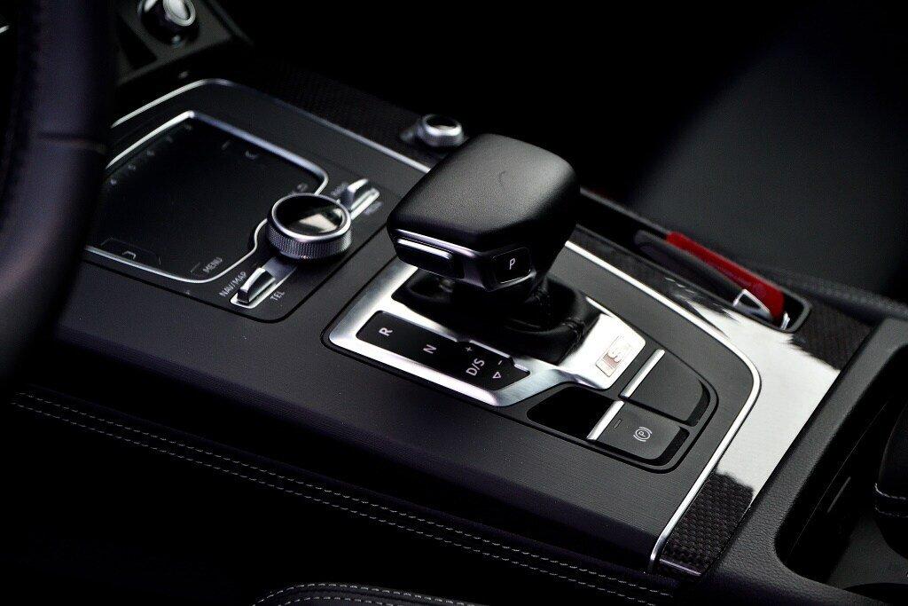Audi SQ5 TECHNIK + LA PLACE POUR UN SQ5 2018 à St-Bruno, Québec - 13 - w1024h768px