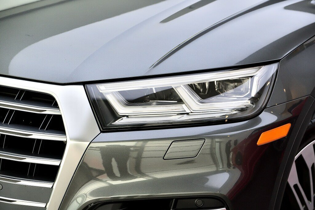 Audi SQ5 TECHNIK + LA PLACE POUR UN SQ5 2018 à St-Bruno, Québec - 2 - w1024h768px