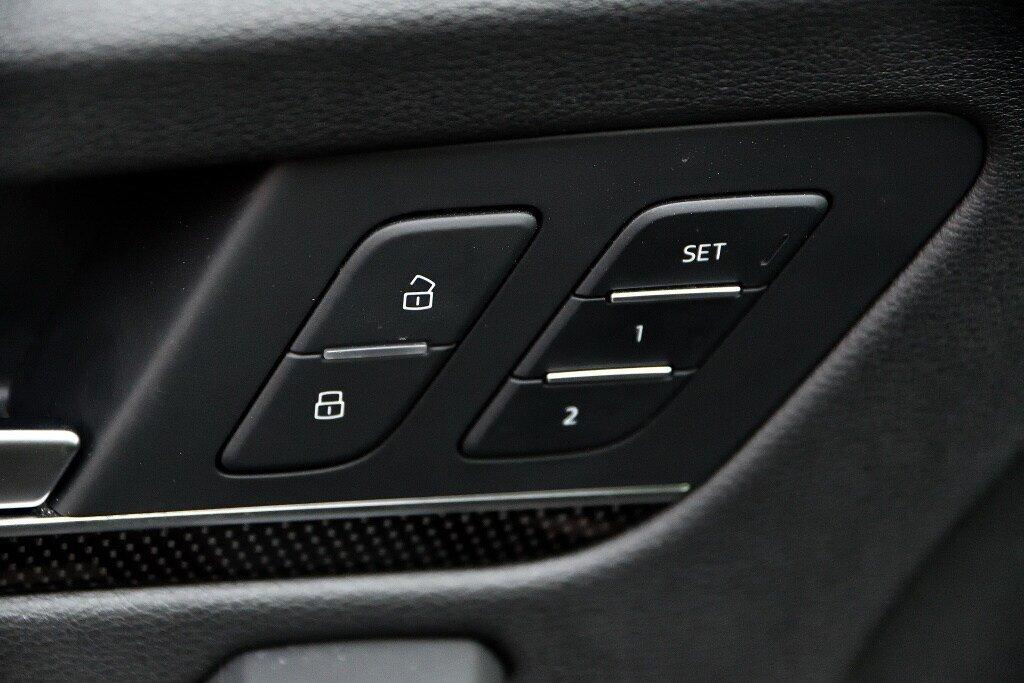 Audi SQ5 TECHNIK + LA PLACE POUR UN SQ5 2018 à St-Bruno, Québec - 15 - w1024h768px
