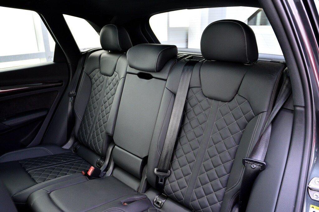 Audi SQ5 TECHNIK + LA PLACE POUR UN SQ5 2018 à St-Bruno, Québec - 18 - w1024h768px