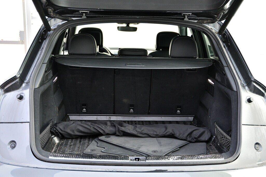 Audi SQ5 TECHNIK + LA PLACE POUR UN SQ5 2018 à St-Bruno, Québec - 10 - w1024h768px