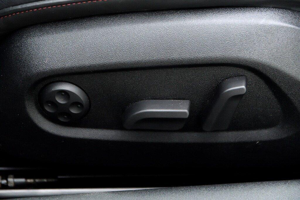 Audi TTS ROADSTER + BLACK OPTICS + RARE 2014 à St-Bruno, Québec - 11 - w1024h768px