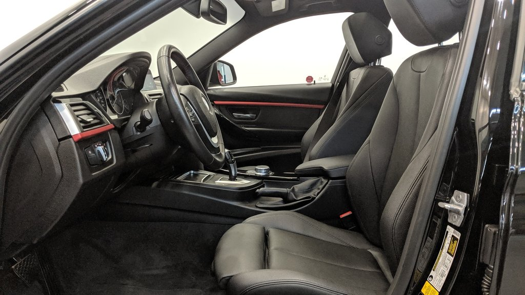 2018 BMW 330i 330I XDRIVE SEDAN in Regina, Saskatchewan - 11 - w1024h768px