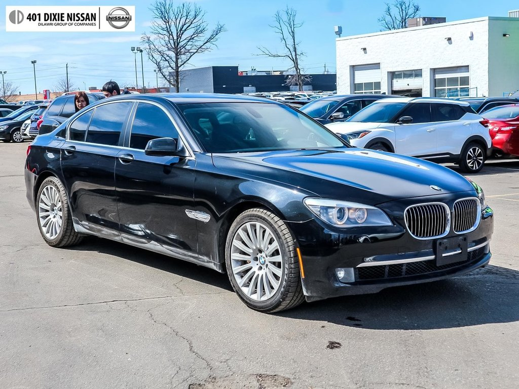 2012 BMW 750i xDrive in Mississauga, Ontario - 3 - w1024h768px