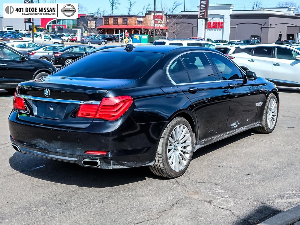 2012 BMW 750i xDrive in Mississauga, Ontario - 4 - w1024h768px