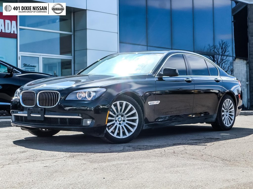 2012 BMW 750i xDrive in Mississauga, Ontario - 1 - w1024h768px