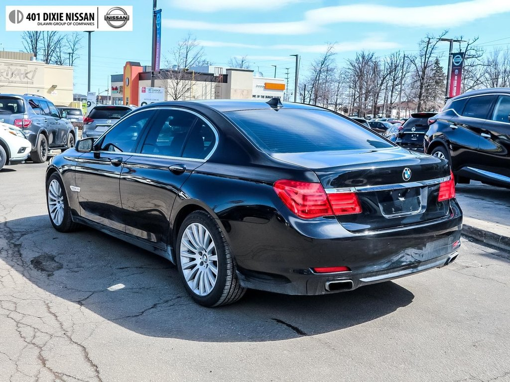 2012 BMW 750i xDrive in Mississauga, Ontario - 6 - w1024h768px