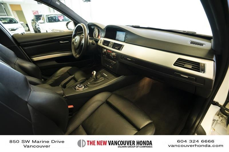 2011 BMW M3 Sedan in Vancouver, British Columbia - 38 - w1024h768px