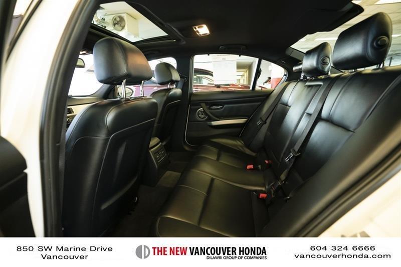 2011 BMW M3 Sedan in Vancouver, British Columbia - 34 - w1024h768px